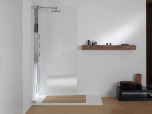 Por qué es recomendable cambiar tu bañera por un plato ducha ...